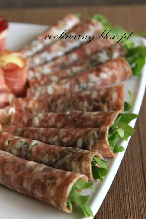 Przekąski mięsne - salami z rukolą i szynka parmeńska z melonem