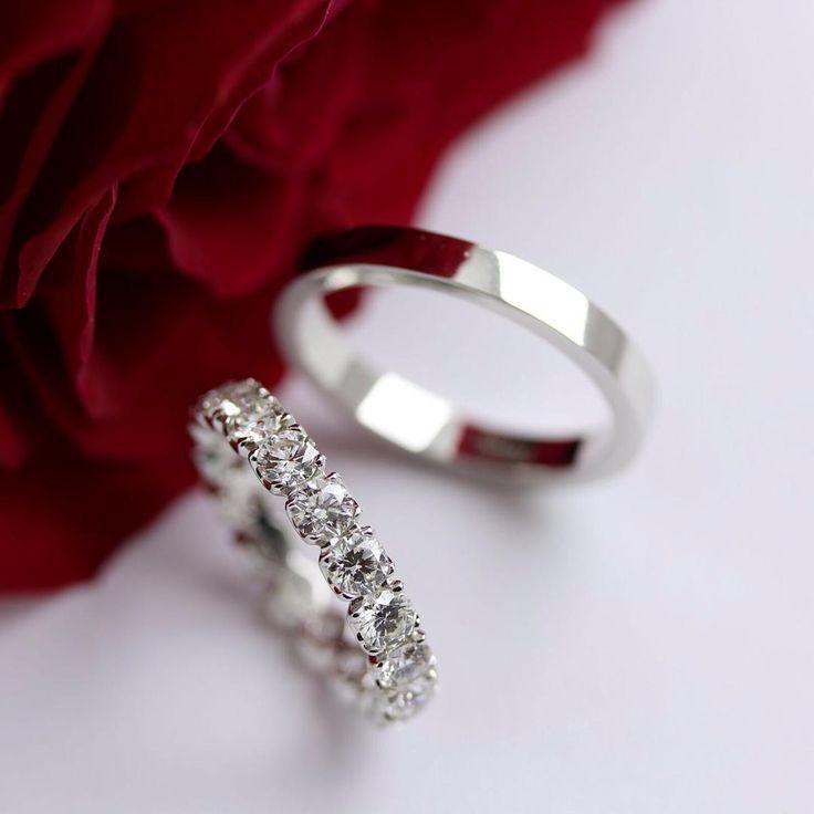 Legami preziosi.  #leopizzo #weddingband #ring #brillante#brilliants  #marriage #matrimonio #sposami #sposa #bride #sposo #romantic #elegant #evocative #roma #milano #taormina #clemente#lovestory#amoreinfinito#persempre#forever#insieme#noi