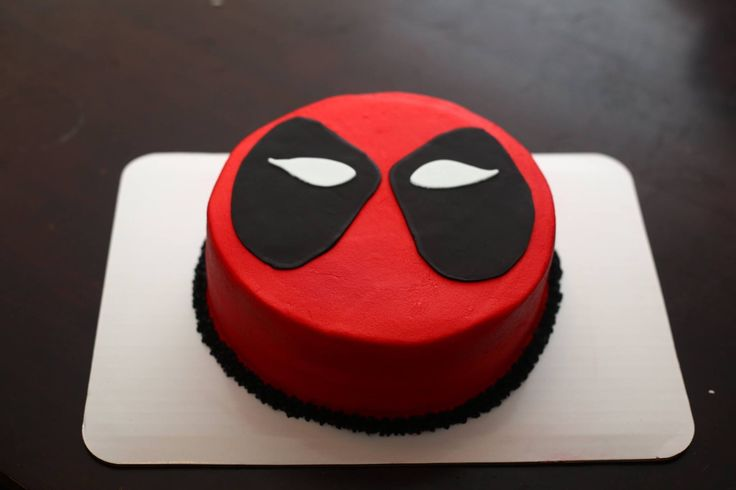 Spider Man Deadpool Cake