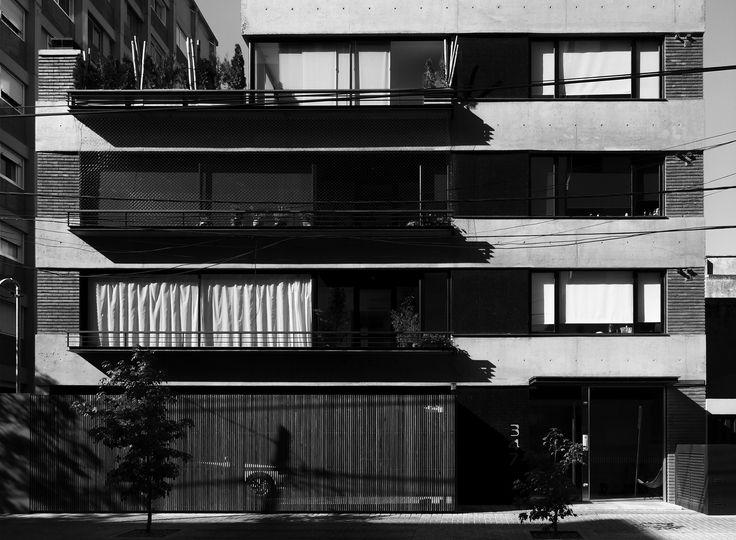 3er. Premio Categoría Vivienda Multifamiliar - Bienal 2011 Colegio de Arquitectos de la Provincia de Buenos Aires. Autores: Arq. Sebastián Cseh - Arq. Juan Cruz Catania. #arquitectura #architecture #building #edificio #buenosaires
