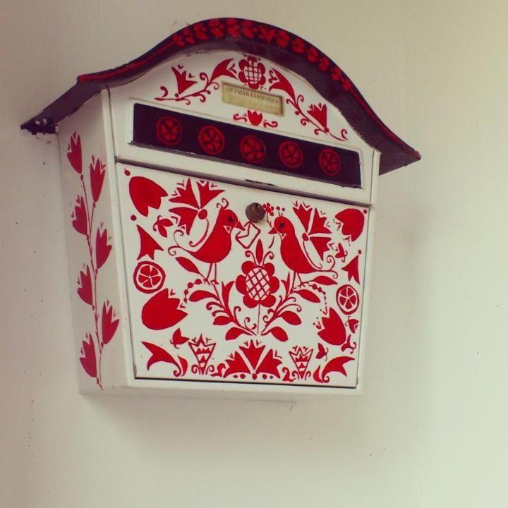 Decorative post-box