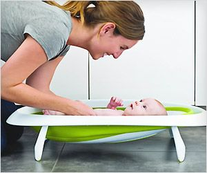 This collapsible baby bath tub is so easy to use and store in tight spaces. #care #infant