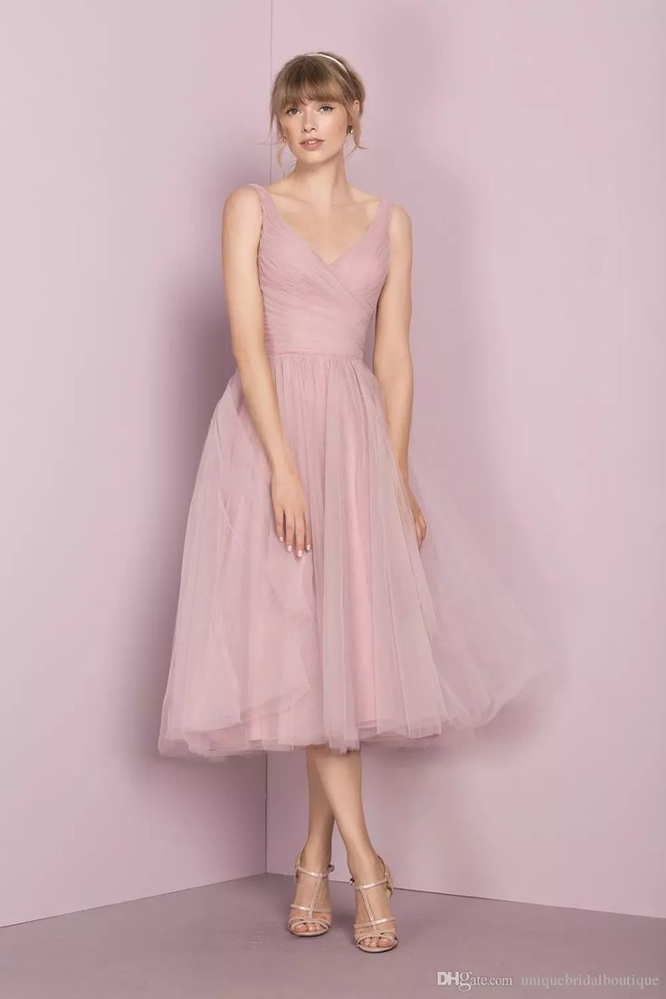 2017 Vintage Bridesmaid Dresses 1950'S With Tea Length And V Neck Pleated Tulle Cute Bridal Party Gowns Custom Made Bridesmaid Dress With Sleeves Bridesmaid Dresses Pink From Uniquebridalboutique, $74.75| Dhgate.Com
