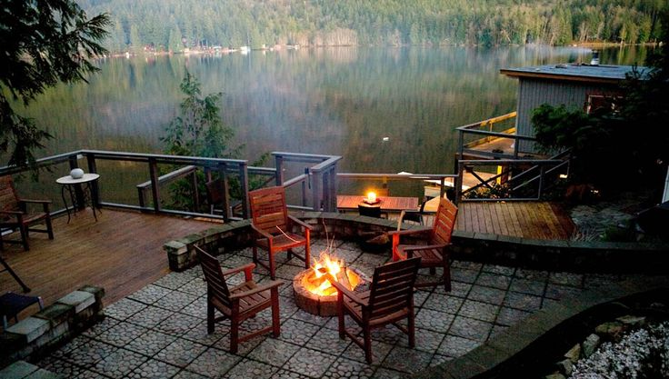 Sakinaw Lake Lodge is a boat access, luxurious waterfront accommodation in Pender Harbour.