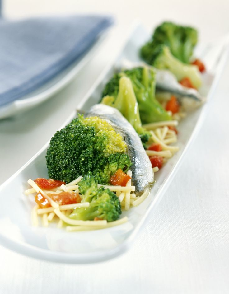 Salade de vermicelles aux anchois. Retrouvez la recette Panzani ici : http://www.panzani.be/?page=recipes  *** Vermicelli salade met zure ansjovis. Je vindt het recept hier: http://www.panzani.be/?page=recipes