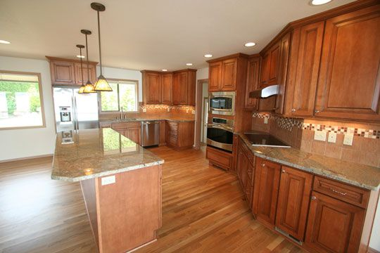 pictures of kitchens with cherry cabinets 71 best kitchens medium brown images on 9117