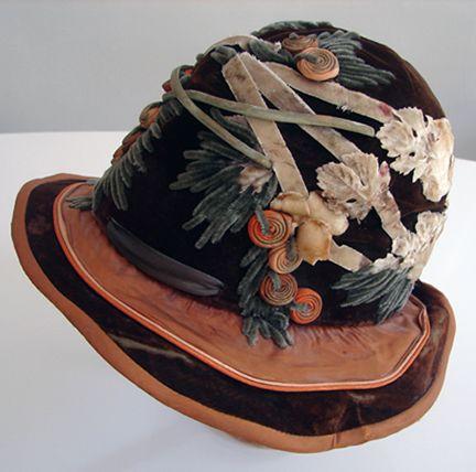Maria Niforos - Fine Antique Lace, Linens & Textiles : Antique & Vintage Accessories # AC-16 Superb Velvet Hat w/ Ornate Design
