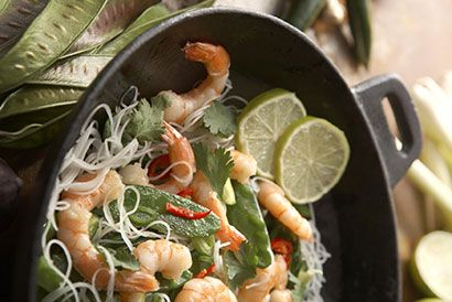 Singapore Noodles - Learn more in the Slendier Information Centre. Recipes, articles and videos for a healthy lifestyle.