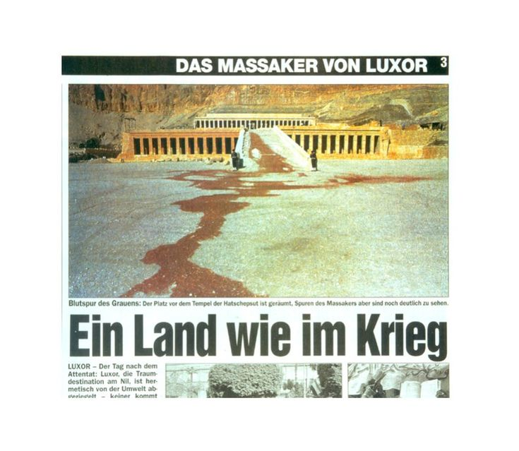 """Wasser zu Blut: Das Schweizer Boulevard-Blatt """"Blick"""" bildete im November 1997 ein Foto des Hatschepsut-Tempels im ägyptischen Luxor ab. Dort hatte einen Tag zuvor ein Massaker stattgefunden. Die harmlose Wasserpfütze wurde rot eingefärbt und so zu einer schockierenden Blutlache umgedeutet. Die Zeitung sorgte durch ihre Manipulation für heftige Diskussionen über die Macht der Bilder."""