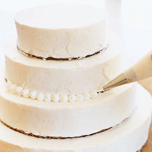 Assembling a 5 tier wedding cake
