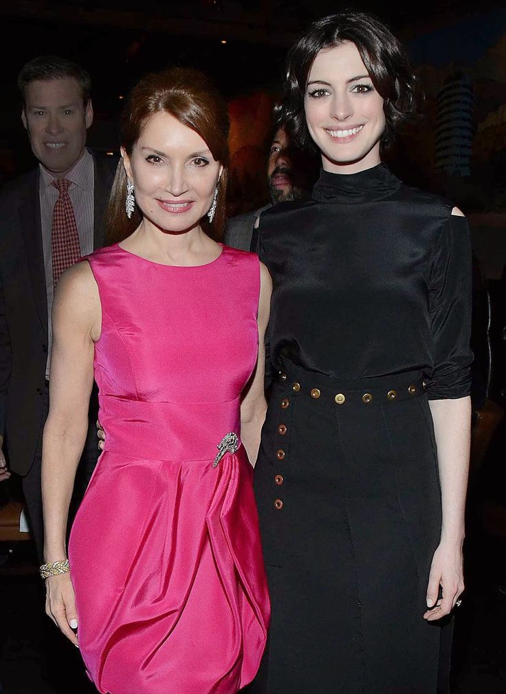 Times Square Gossip: JEAN SHAFIROFF & ANNE HATHAWAY 'SONG ONE' FETE Great pics and hot story http://www.timessquaregossip.com/2015/01/jean-shafiroff-anne-hathaway-song-one.html