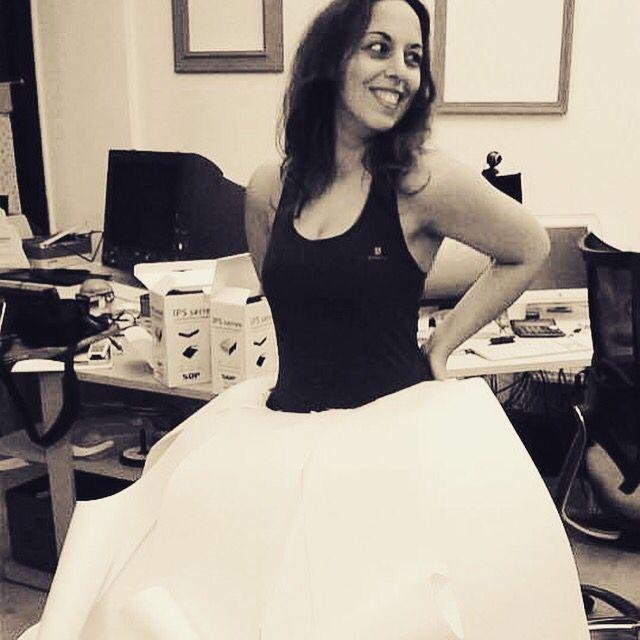 Io che indosso il vestito di carta