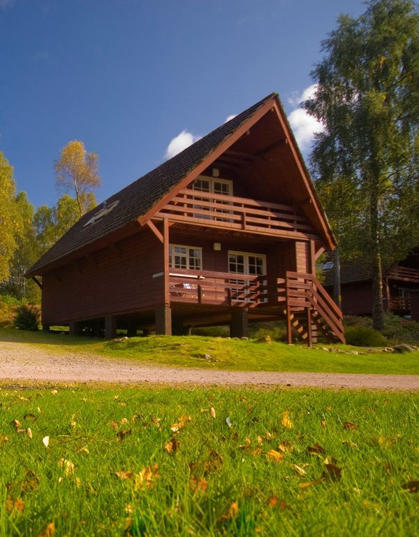 Scottish Highlands Glen Affric & Loch Ness With Indoor Pool & Wi-fi.. Tomich Holidays offers family & pet friendly self-catering holiday Cottages or Woodlan...