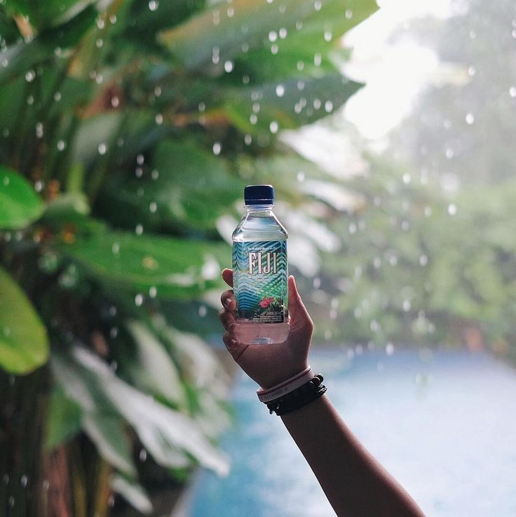 Natural mineral water that quenches your thirst and tastes refreshingly good...must be FIJI Water. #FIJIWater #EarthsFinest⠀ .⠀⠀ .⠀⠀ .⠀⠀ #water #earth #wellness #hydration #hydrated #healthylifestyle #fit #natural #drinkwater #FIJIFit #FIJIFamily #artesianwater #mineralwater #drinkingwater #bottledwater