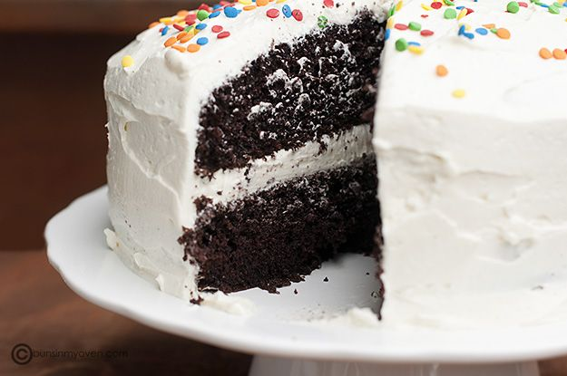 Whipped frosting ..Chocolates Cake, Cake Cupcakes, Frostings Recipe, Sweets Treats, Food Blog, Frosting Recipes, Whipped Frostings, Birthday Cake, Whipped Cream