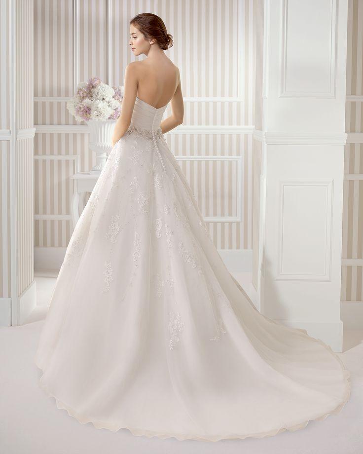 7S160 ESPIRAL | Wedding Dresses | 2015 Collection | Luna Novias (back)