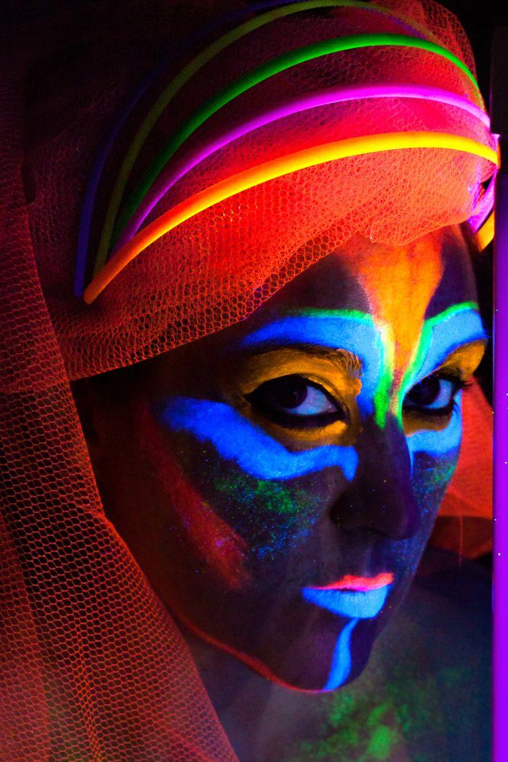 get glowing by Lynda & Soren Olsen on 500px #blacklight #neon #glow #UV #uvlight