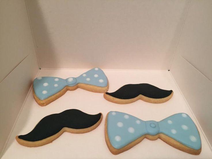 Moustache & bowtie - cake by nef_cake_deco