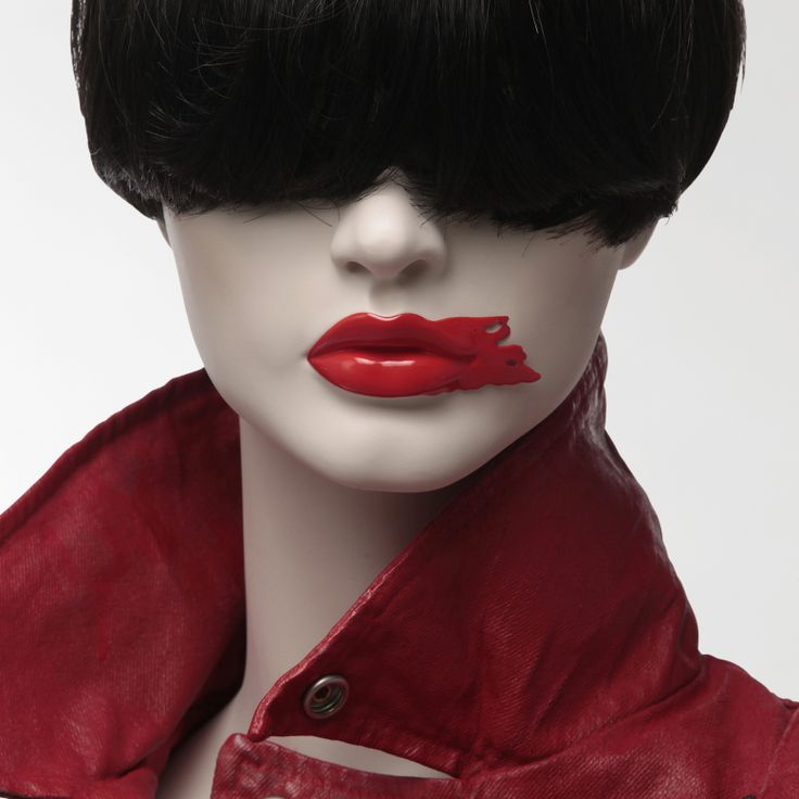 Lips ref : B3.7G.F2 Shop window design Shop window display Visual merchandising Shop window mannequin