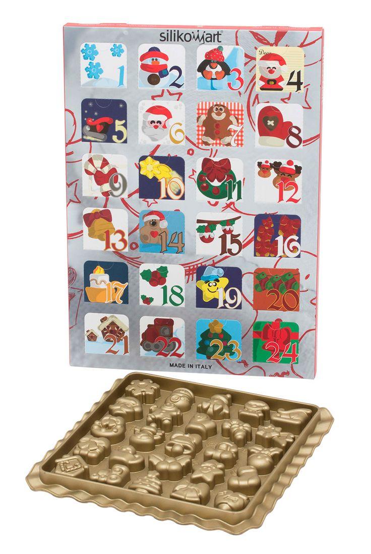 De Silikomart Creative Xmas bonbonvorm is gemaakt van goudkleurig silicone en is 20,5 x 20,5 x 1,5 cm. De 25 vormpjes hebben de vorm van de typische adventskalender-chocolaatjes, zoals een slede, rendier, sneeuwpop, strik en kerstman. Maak snoepjes of bonbons met bijvoorbeeld smeltsnoep of bonbons en gebruik ze in een adventskalender.