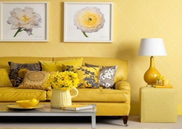 Salotti sui toni del giallo - Salotti sui toni del giallo con divano e pareti dipinte in questo colore