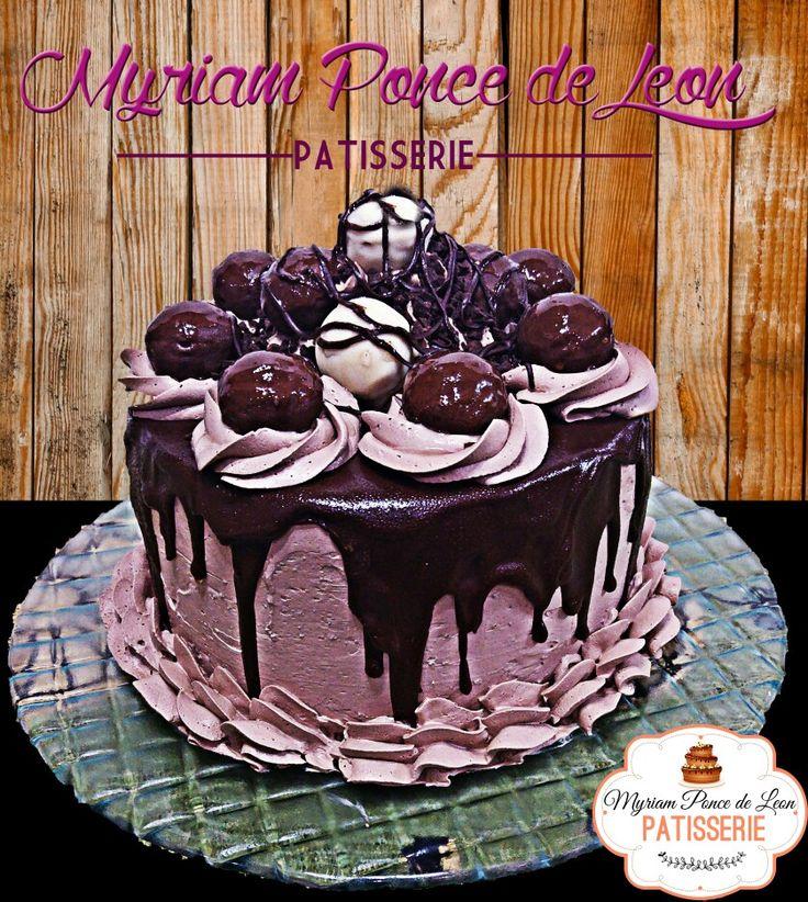 Cake de chocolate y bombones