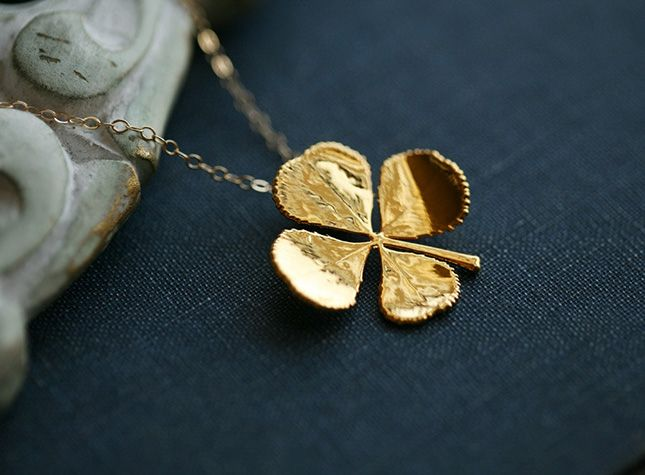 This necklace is modeled after a real four-leaf clover.