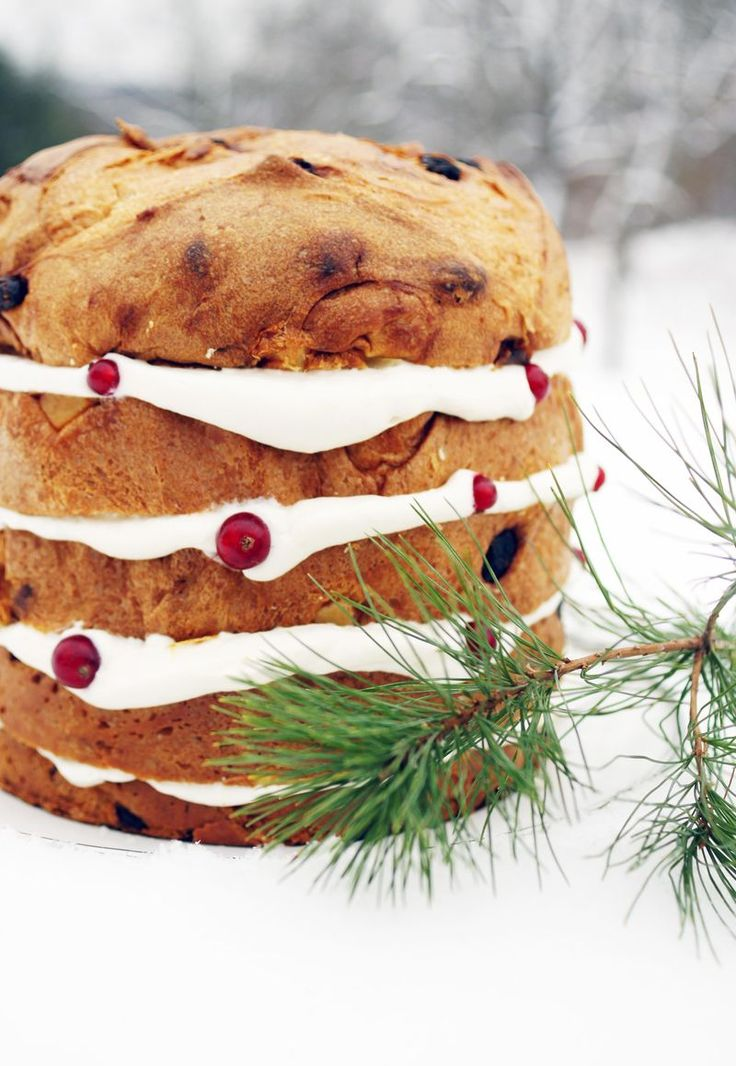 Panettone with Champagne Cream