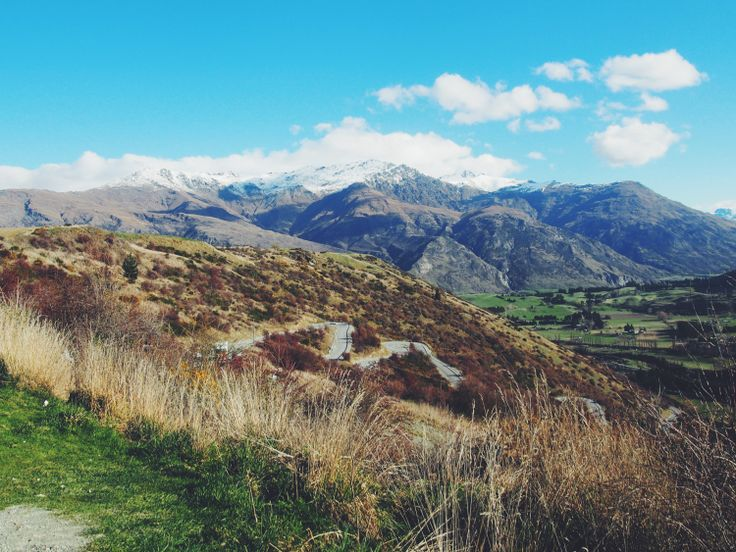The Crown Range, New Zealand | http://wander-full.com/2015/08/03/9-road-tripping/