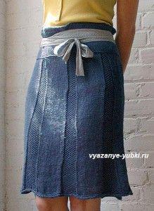 синяя вязаная юбка спицами из клиньев http://vyazanye-yubki.ru/sinyaya-yubka-spicami-v-dginsovom-stile/