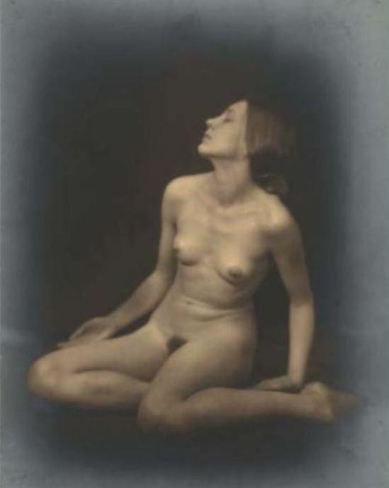 Germaine Krull1. Berthe Krull 1923