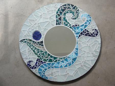 17 best images about moza ek on pinterest antoni gaudi for Espejos con marcos decorados