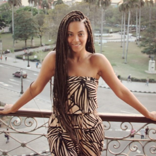 Not a big fan of Beyoncé, but she looks really pretty here and her braids are awesome.