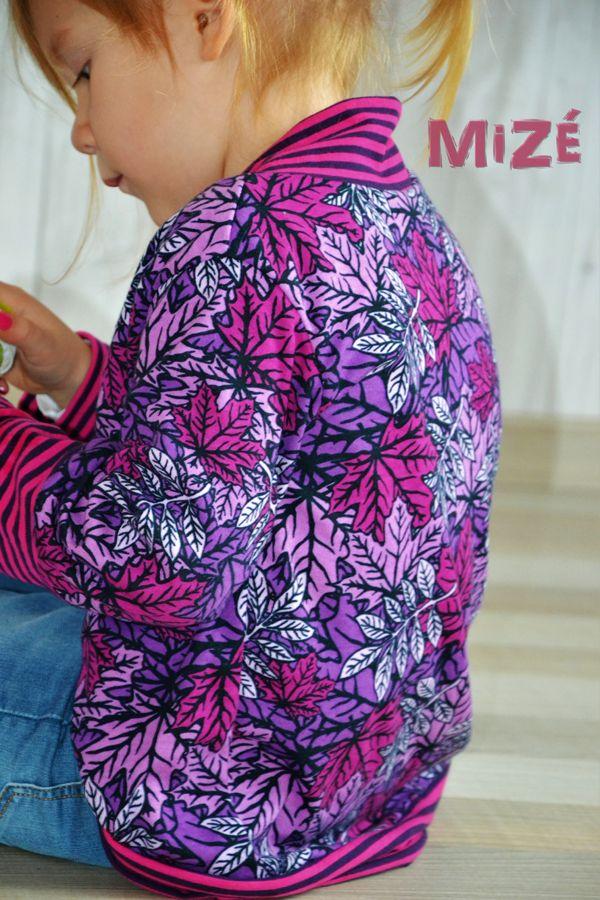 """Blätterrausch von #ALEKSIO #ASTROKATZE Nähbeispiel von """"MiZé""""  https://www.facebook.com/handmade.by.MiZe   #interlock #herbstlaub #herbst #laub #blaetter #leaves #stoffdesign #textildesign #organiccotton #fabric #diy #sewing #designerstoffe #cuddleme #schaumzucker"""
