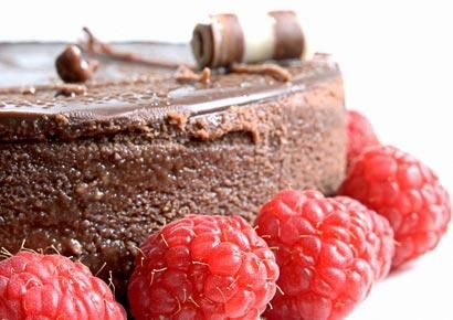 Flat Belly Chocolate-Raspberry Cheesecake -- 390 calories per serving