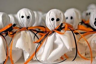 I completely forgot about lollipop ghosts! Easy but cute craft idea. These would be fun for kids to pass out at school.