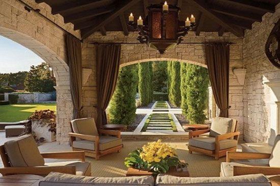 Le jardin de l'exclusive propriété de Lance Armstrong au Texas, désormais en vente.