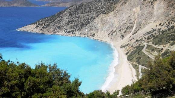MYRTOS: Denne stranden på Kefalonia har flere ganger blitt kåret til en av de beste i verden