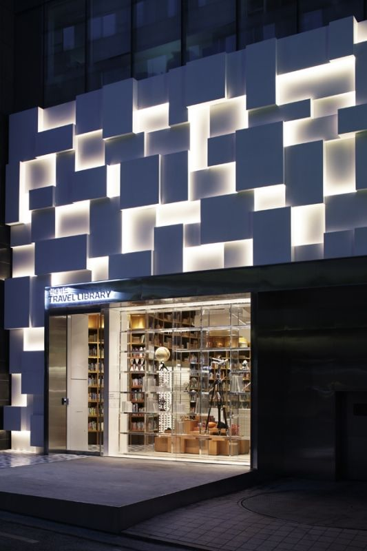 In the bustling heart of Seoul, Chungdam-dong, Hyundai Card opened a library designed by Wonderwall's Katayama Masamichi. Up until now, the area was predominantly comprised of large retail shops - but Hyundai shakes up the trendy district by injecting a source of intellectual inspiration.
