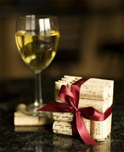 wine cork coasters!: Crafts Ideas, Gifts Ideas, Wine Cork Coasters, Winecork, Wine Corks Crafts, Crafts Projects, Wine Lovers, Cork Crafts, Wine Corks Coasters