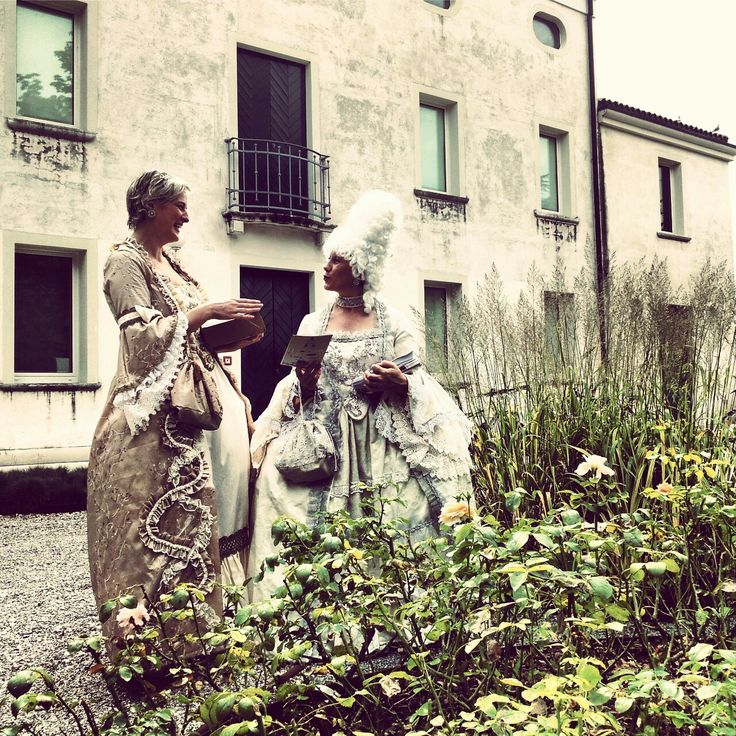 Le dame ospiti di Gasparo Gozzi a Visinale oggi sono andate a Pordenone per invitare tutti alle Serate gozziane del 12, 13 e 14 settembre #gozzi700