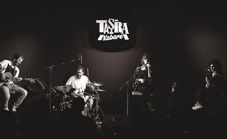 До 29 ноября будет проводиться бесплатный #концерт в Стамбуле в районе #Кадыкёй по адресу Neşet Ömer Sokağı No: 7 Kadıköy İstanbulв месте под названием Taşra Kabare, где выступят известные певцы. Не пропустите!