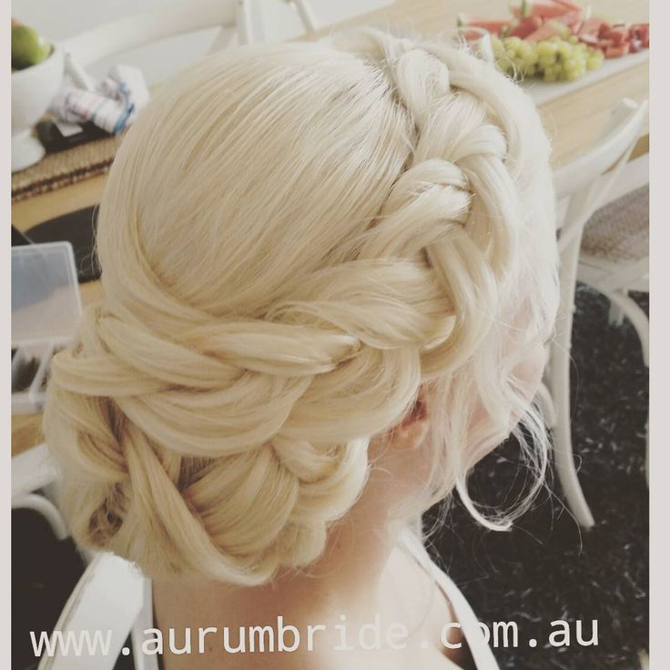 Today's beauitful bride with hair styling by Kristy @hairstylistaustralia for @aurumbride   .  To book your hair and makeup for your special day head over to www.aurumbride.com.au   . #hairbun #hairstyle #hair #weddinghair #bridal #braid #softprettyhair #wedding #bun #australia #lovewhatwedo #aurumbride #bridalhair #makeup #weddinggown #vail #blondehair #hairstyleforblondehair #beachwedding #cloudnine #bedheadbytigi #catwalkbytigi