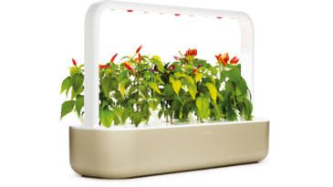 FREE Click & Grow Smart Garden on http://www.canadafreebies.ca/