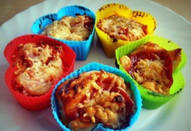 Pizza muffin leveles tésztából