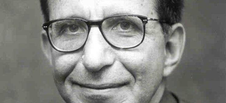 Ο μεγαλύτερος Ελληνας μαθηματικός μετά τον Καραθεοδωρή   Γεννήθηκε το 1952 και μεγάλωσε στο Αργοστόλι. Ο διάσημος πλέον καθηγητής έφυγε στα δεκαοχτώ του χρόνια για τη Μεγάλη Βρετανία μιας και για διάφορους λόγους δεν είχε μπει στο Εθνικό Μετσόβιο Πολυτεχνείο παρ' όλα αυτά σήμερα είναι πλέον επίτιμος διδάκτορας Εφαρμοσμένων Μαθηματικών και Φυσικών Επιστημών του Ε.Μ.Π -έχει αναγορευτεί επίτιμος Διδάκτωρ και στα πολυτεχνεία Κρήτης και Πατρών. Ξεκίνησε στο Λονδίνο σπουδάζοντας αεροναυπηγική με…