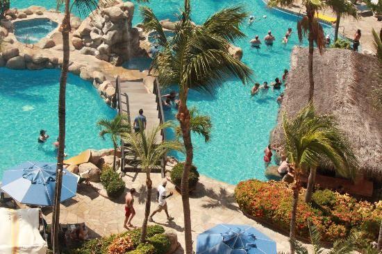 Occidental Grand Aruba: Love the swim up pool bar