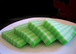 lapis pepe ~ Indonesian Pandan Layer Steamed Cake It looks similar to Bahn Da Lon, but they taste slightly different.