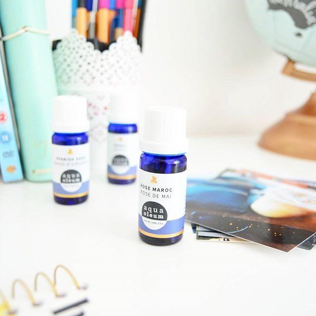 Ruusu öljy poistaa stressiä sekä hoitaa kuivaa ja rasvaista ihoa! 🌟 Tätä öljyä voi laittaa suoraan iholle koska se sisältää myös kookosöljyä. .  .  .  .  #eteerinenöljy #stressi #ihonhoito #kosmetiikka #iho #iholle #essentialoil #ruusu #öljy #hyvinvointi #terveys #terve #voihyvin