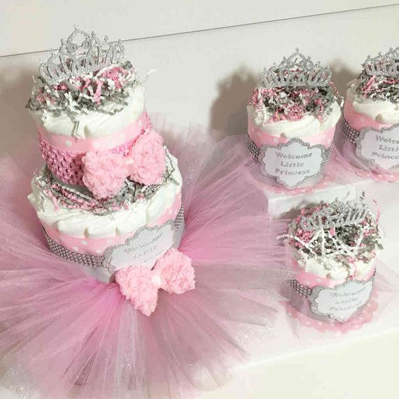 Etsy の Pink and Gray Princess Tutu Diaper Cake by ChicBabyCakes